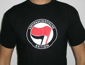 CAMISETA KAMILOSETAS ANTIFASCHISTISCHE AKTION CHICO