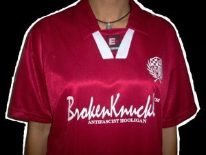 CAMISETA BROKEN KNUCKLE FUTBOL CHICO