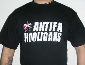 CAMISETA FIRE AND FLAMES ANTIFA HOOLIGAN CHICO
