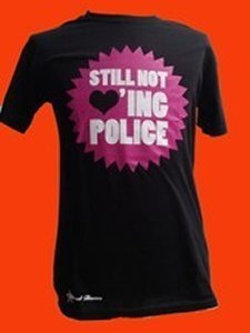 CAMISETA FIRE AND FLAMES STILL NOT ING POLICE CHICO
